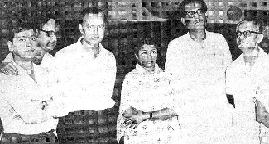With Bapi Lahiri, Aparesh Lahiri, Mukesh, Lata Mangeskar and Hemant Kumar.