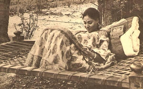 Jaya Bhaduri in Piya Ka Ghar