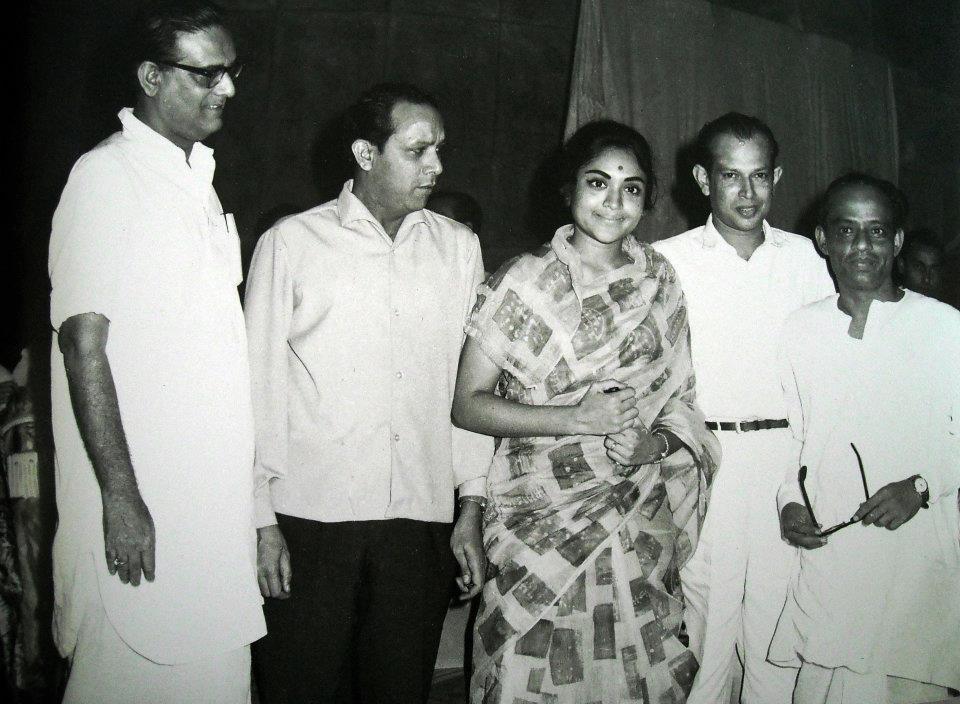 Hemant Kumar, Dr Bali, Vyjayantimala, Tapan Sinha & Ashit Chowdhury