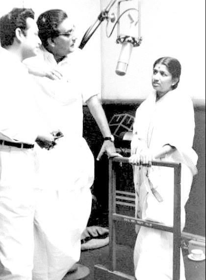 Hemant Kumar, Biswajit and Lata Mangeshkar