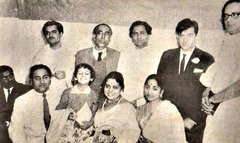 Mohd. Rafi, Ranu Mukherjee, Ila Basu, Geeta Dutt. Opore Manabdendra, Pabitra Mitra, Nirmalendu, Raj Kapoor, Hemanta.