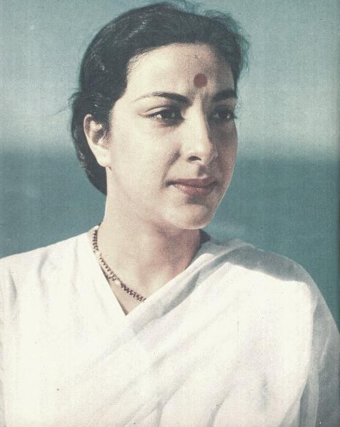 Nargis - Lady in White