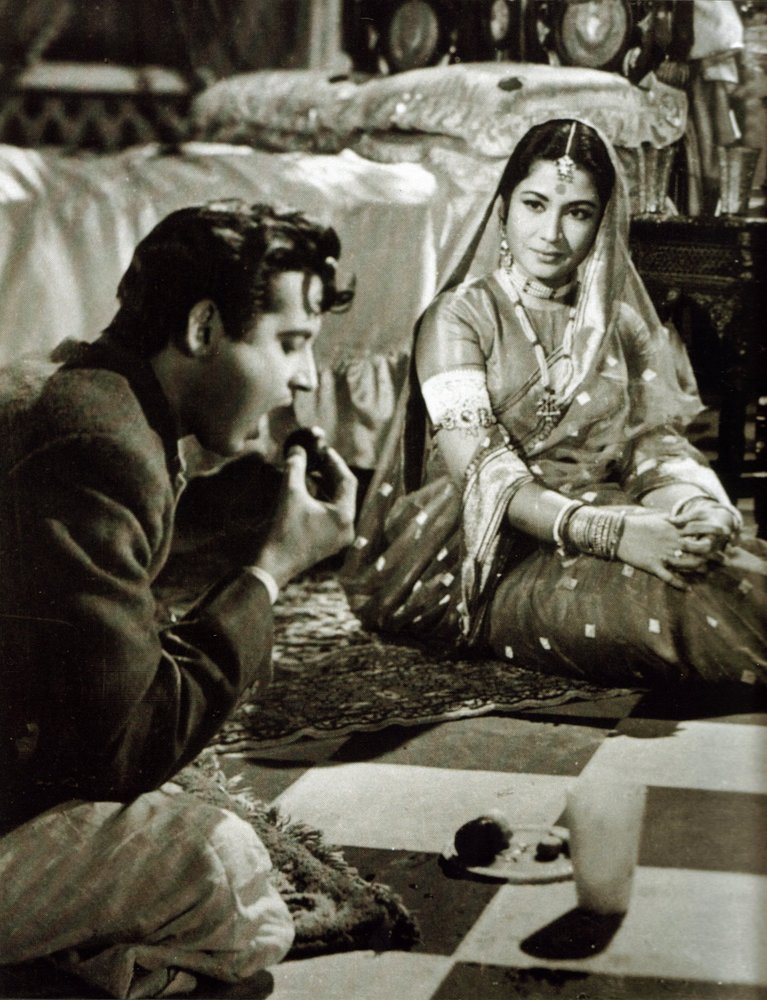 Meena fitted herself into the shape of the woman who is described to Bhootnath alais Guru Dutt as more beautiful and flawless than the moon itself.