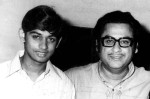 """1971, during the press show of his """"Ambitious""""film Door Ka Rahi at Apsara cinema Mumbai. The film ran for 15 weeks on merit . There were no buyers so he released it himself adding another feather in his cap by becoming a """"Distributor"""". (Pic and caption: Amit Kumar)"""