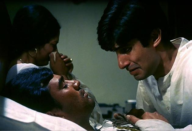Rajesh Khanna, Amitabh Bachchan and Sumita Sanyal in Anand (1971)
