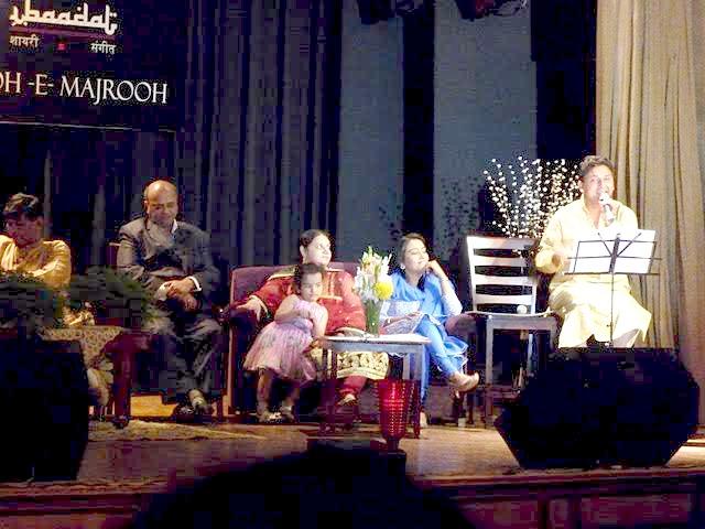 Raju Naushad (Naushad Sahab's son), Saba Sultanpuri (Majrooh Sahab's daughter who is also Raju Naushad's wife), Dr Sapna Sehgal, and Sarvesh Mishra (Rafi-voice singing) at the Rooh-E-Majrooh musical evening