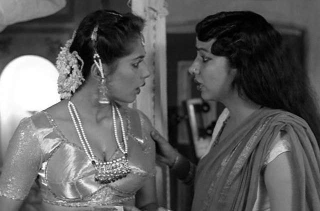 Smita and Shabana in Mandi