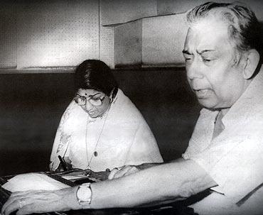 Lata Mangeshkar and Chitragupt (Pic: Rediff.com)