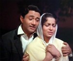 The sensitive and delicate Tere mere sapne ab ek rang hain encapsulates love and dreams, empathy and companionship in every frame.