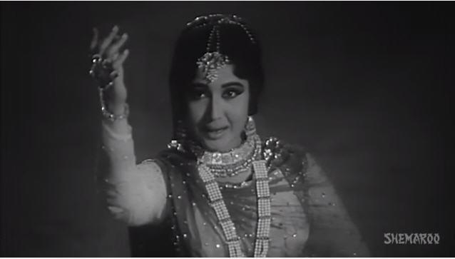 Meena Kumari in Gham nahin gar zindagi (Benazir)