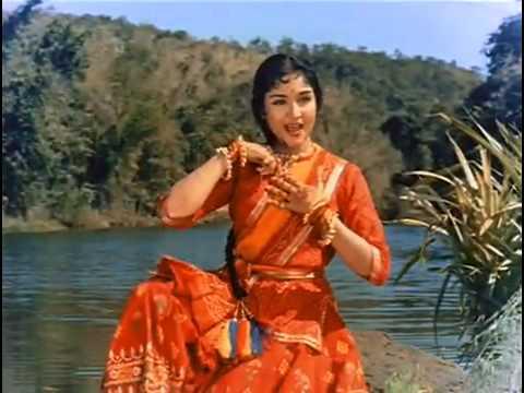 Vyjayanthimala in Dhoondho dhoondho re saajana (Gunga Jumna)