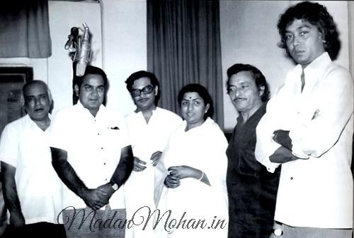 Gulzar, Lata Mangeshkar, Madan Mohan, Bhupinder Singh at recording of Mausam