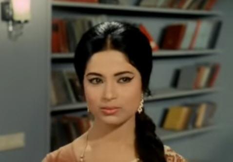 Sumita Sanyal in Jhir jhir barse (Ashirwad)