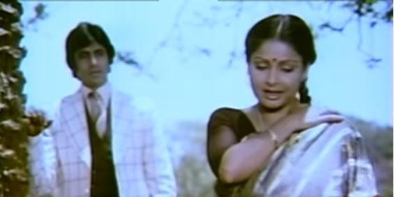 Raakhee and Amitabh Bachchan in saawan ke jhoole pade (Jurmana)