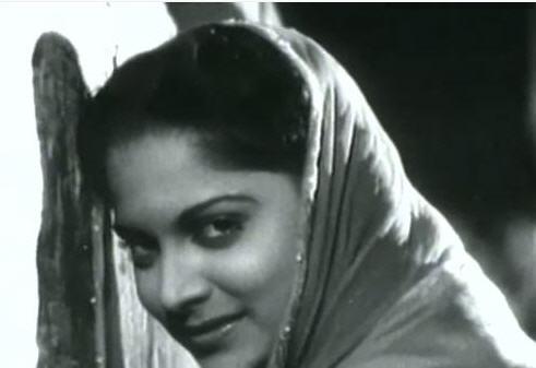Waheeda Rehman in Jaane Kya Tune Kahi