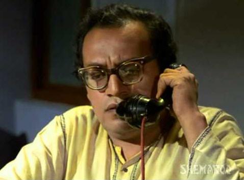 Utpal Dutt as Mamaji in Guddi