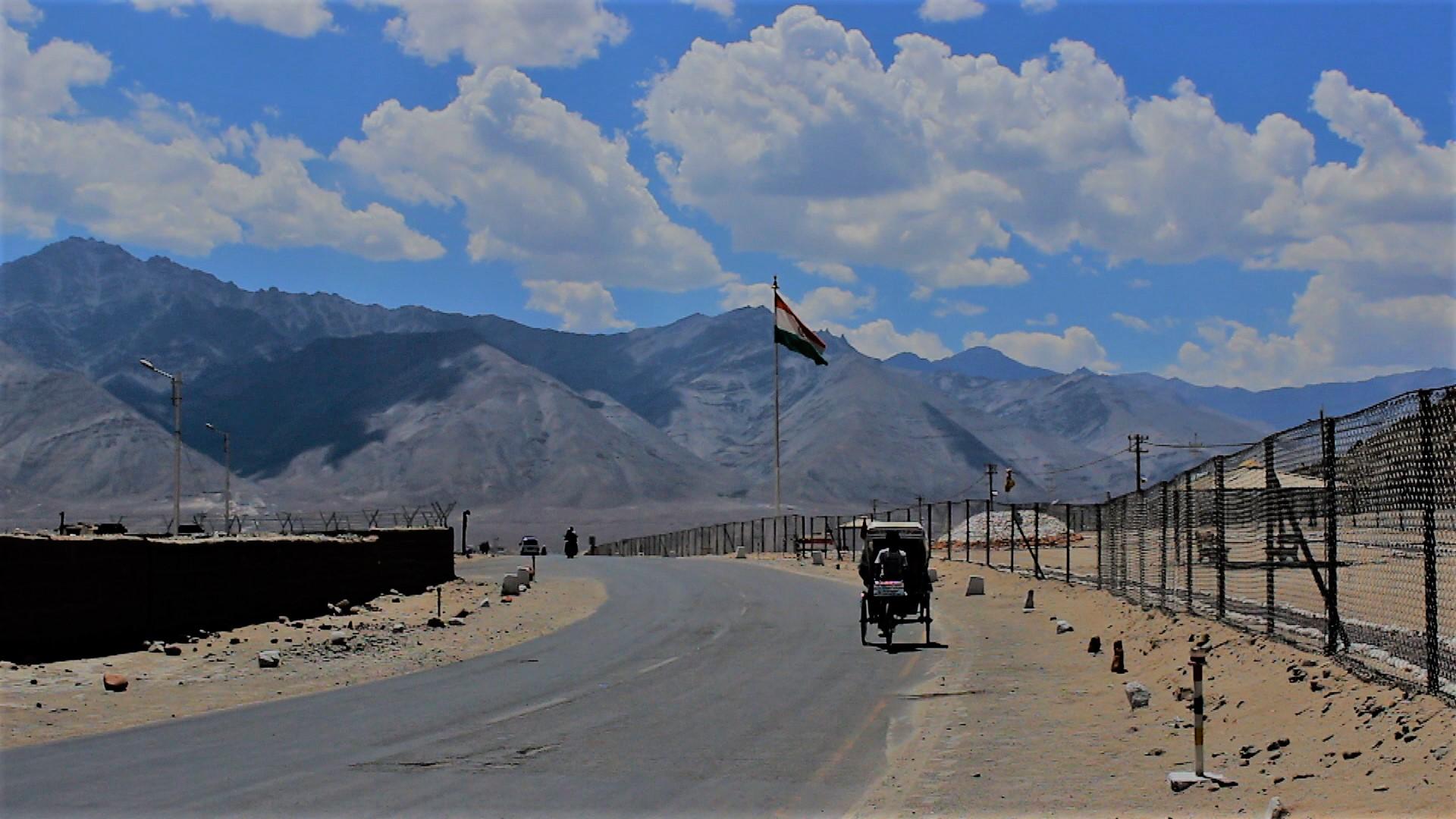 Ladakh Chale Rickshawala documentary