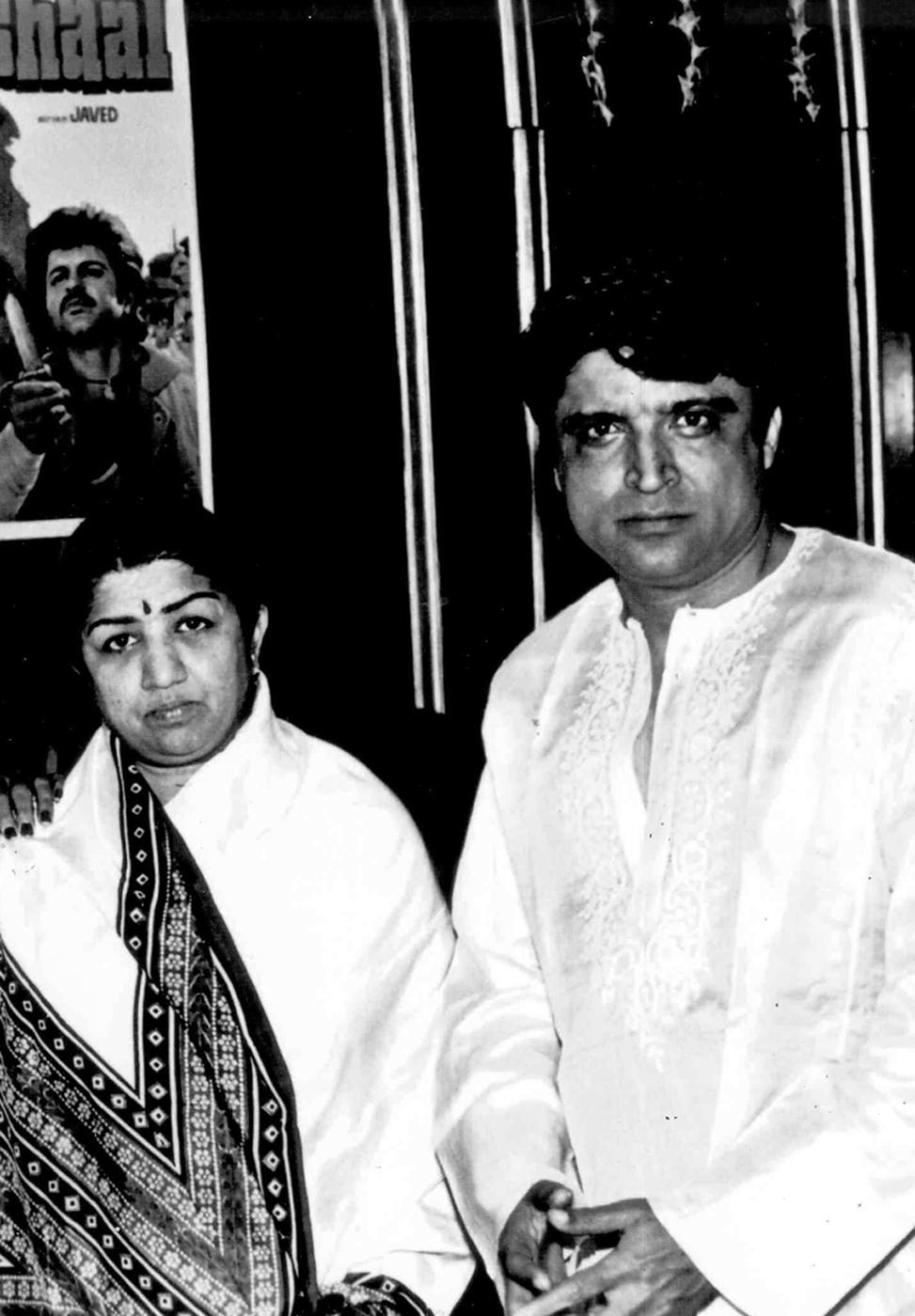Javed Akhtar Lata Mangeshkar at the music launch of Mashaal