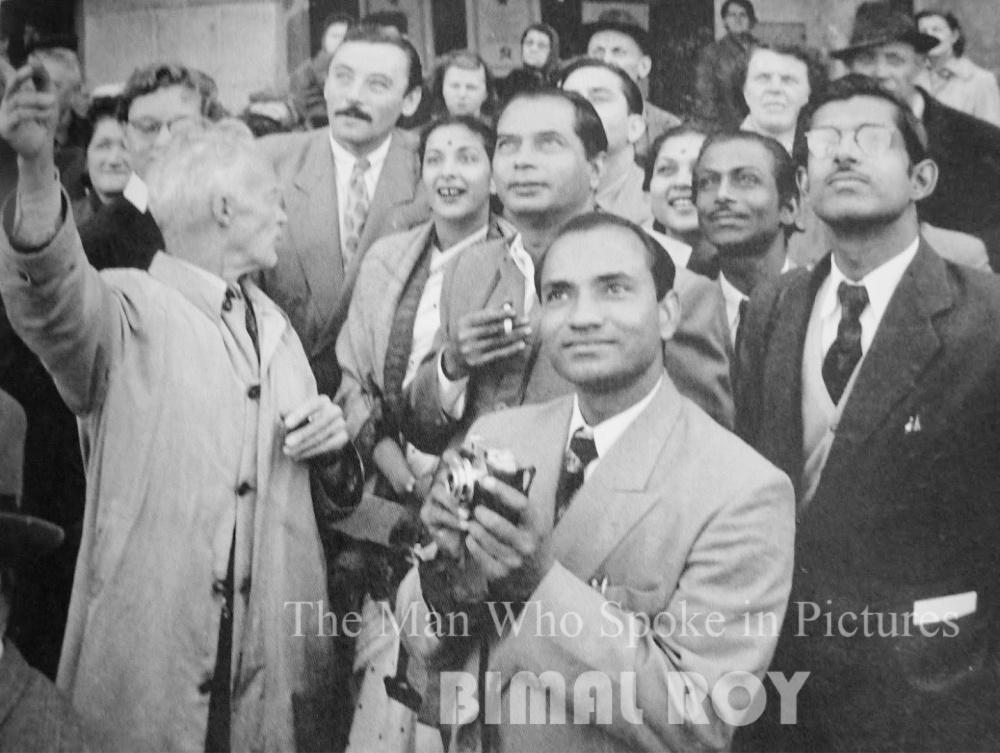 Nargis, Bimal Roy, Nirupa Roy, Salil Chowdhury, Hrishikesh Mukherjee and Radhu Karmakar