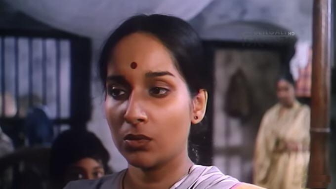 Mamata Shankar in Grihayuddha