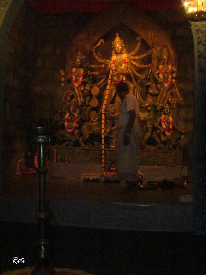 Lake Town Adhibasi Brinda Durga Puja 2013