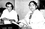 Geeta Dutt recording a song in 1961