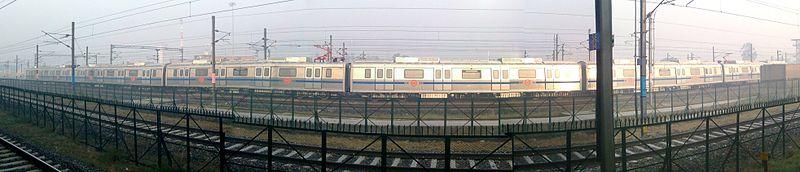 Delhi Metro ride is quite comfortable and I enjoy it.  (Pic: Prabhatkaushik, Creative Commons 3.0)