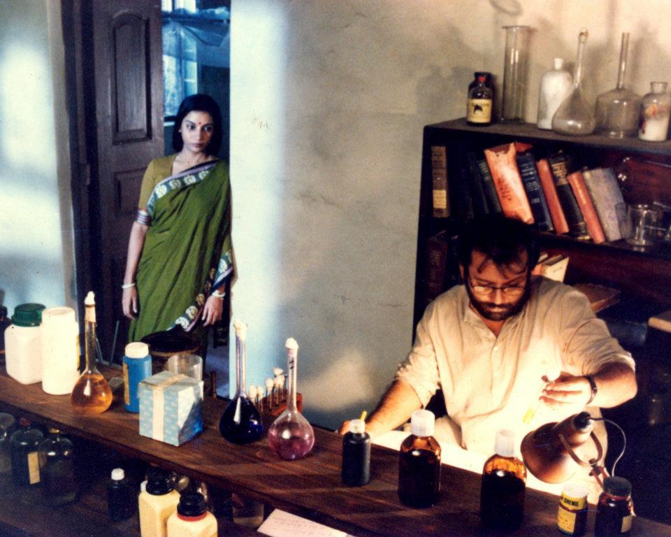 Shabana Azmi & Pankaj Kapur in Ek Doctor Ki Maut [Death of A Doctor] <br> Pic: COPYRIGHT PROTECTED