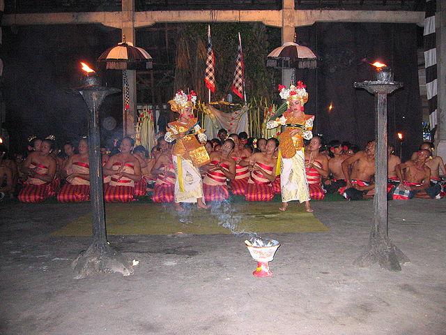 Sanghyang Dedari dance (Pic:  By casey yancey (Flickr) [CC BY 2.0]