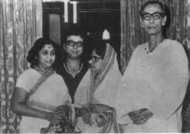 The tall and lean S D Burman with wife Meera, son Rahul Dev Burman and singer Asha Bhonsle