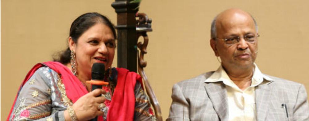 Saba Sultanpuri and Raju Naushad