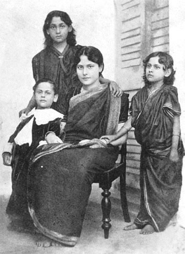 Rabindranath Tagore Son Rathindranath Tagore & Daughters Madhurilata Devi (Bela), Mira Devi, Renuka Devi